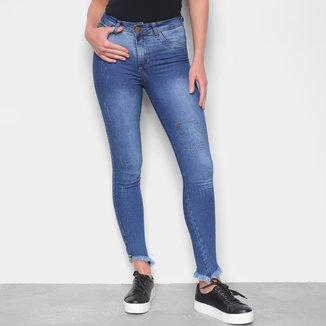 Calça Jeans Skinny Barra Assimétrica Feminina