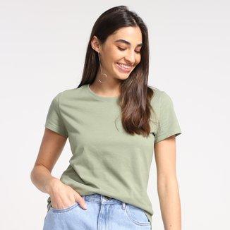 Camiseta Basicamente Reta Lisa