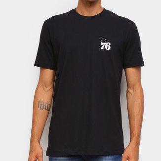 Camiseta Black Pack NBA Philadelphia 76ers New Era Logo Shield Masculina