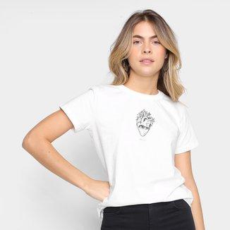 Camiseta Colcci Namorados Regular Fit Coração Feminina