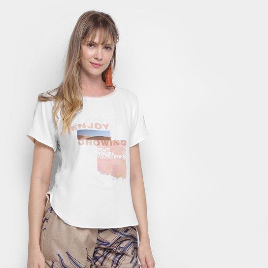 Camiseta Morena Rosa Abertura Lateral Enjoy Growing Feminina - Bege