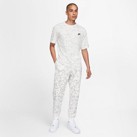 Camiseta Nike Sportwear Club Oap Camuflada Masculina - Branco