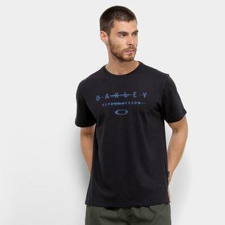 Camiseta Oakley Manifesto Masculina